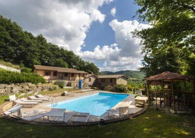 Agriturismo con piscina a Gubbio